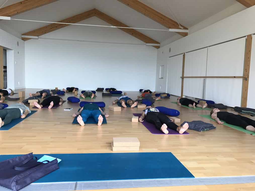 Lina Franco dispense des formations au Yoga